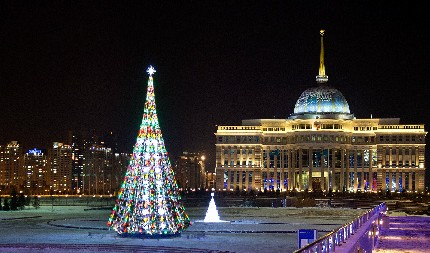 Christmas_in_Astana_one_cropped